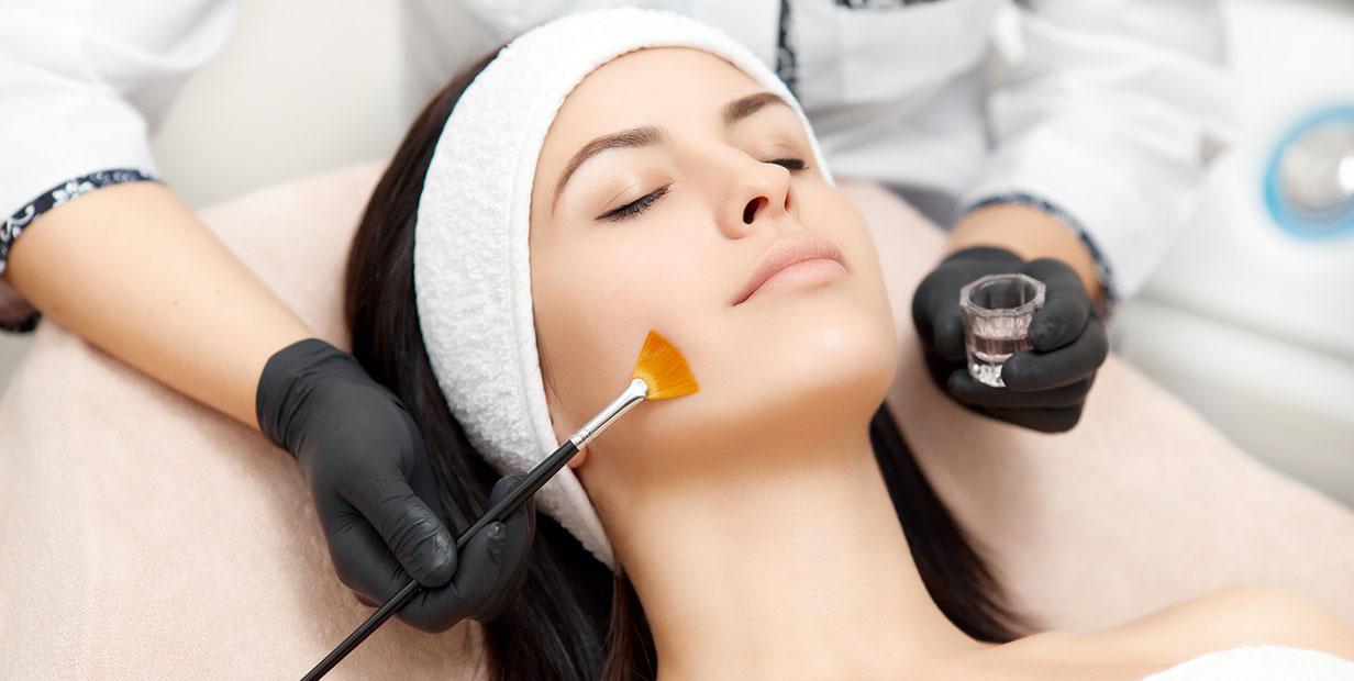 Peeling du visage à Paris - Dr Camille Ozil